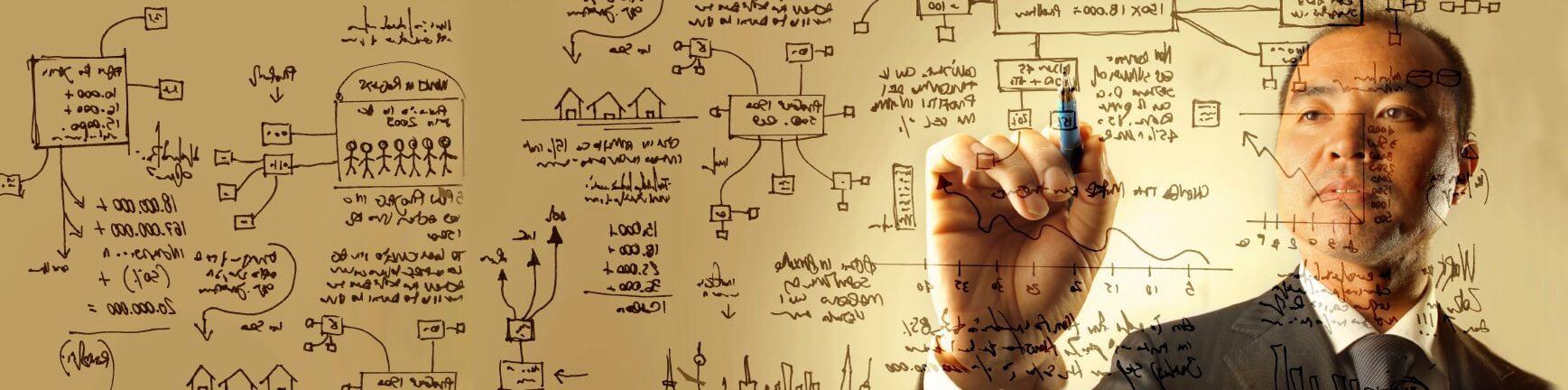 הכנת מצגת - איש כותב על לוח