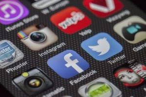 מדיה חברתית תוכן בסמאטפון