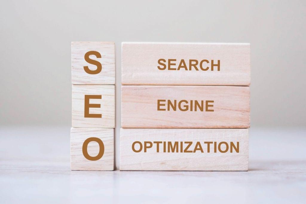 קידום אתרים אורגני בגוגל זה כל מה שאנחנו עושים כדי שגוגל יקפיץ את האתר שלנו גבוה בעמוד החיפוש שלו.
