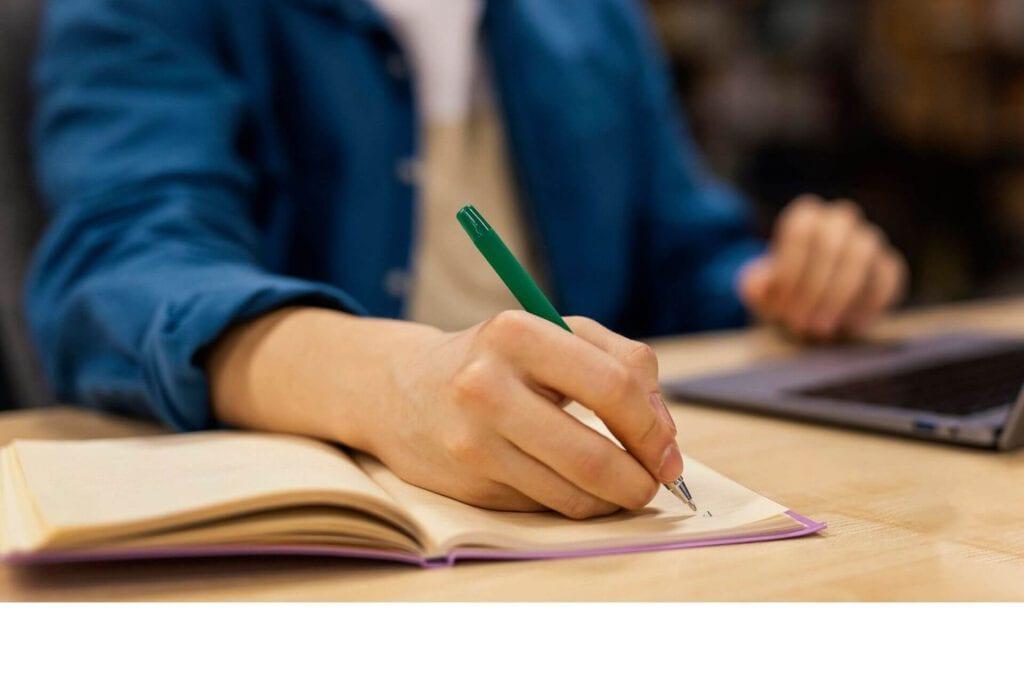 לפי כללים לכתיבת העבודות יש לכתוב סיכום לעבודה אקדמית.