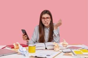 איך כותבים עבודה אקדמית מוצלחת? באיזה עזרים אפשר להשתמש? כל התשובות בפוסט הזה?